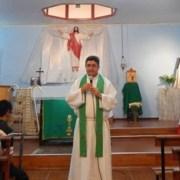 """Un caso emblemático: Sacerdote Armando Vergara Araya, vive su propio """"exilio"""" alejado de su iglesia nativa, Iquique"""