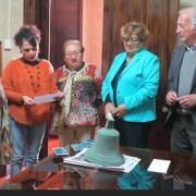 Restituyen vieja campana de escuela San Mauricio que volverá a repicar en Salitrera Humberstone después de 50 años
