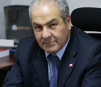 Colegio Médico exige revisar situación del subsecretario Luis Castillo por caso Frei Montalva