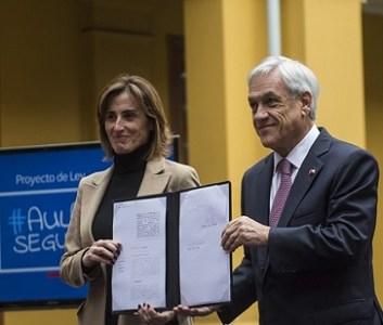 """Aula segura"": Piñera propone que directores expulsen y cancelen matrícula a alumnos violentos"