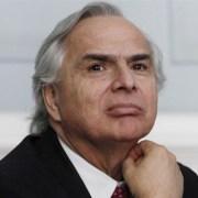 Vicepresidente Andrés Chadwick aseguró que idea de instaurar asignatura obligatoria sobre derechos humanos «no es necesario»