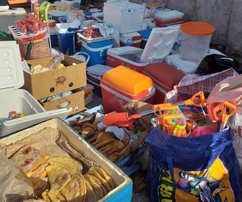 Todo tipo de alimentos y productos de consumo decomisaron en Balnerario Cavancha y Playa Huayquique