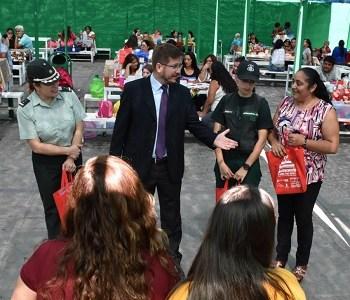Ejemplares de la revista Condorito para hijas e hijos de internas del penal de Iquique