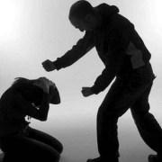 Benefician con remisión condicional a hombre condenado por violencia intrafamiliar contra conviviente