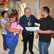 Prematura que nació de 24 semana de gestación,con 488 gramos sobrevive en el hospital de Iquique y fue enviada junto a su familia