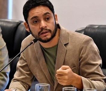 """Core J.M Carvajal apunta a las mineras ante avance de la pandemia: """"Deben paralizar sus faenas"""""""