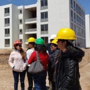 Familias visitan piloto del conjunto habitacional Las 'Bugambilias', que es parte del Plan Urbano Habitacional que se emplaza en sector La Pampa, Alto Hospicio.