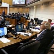 Por 23 votos contra 18, senadores respaldan acusación constitucional contra ex ministro Chadwick