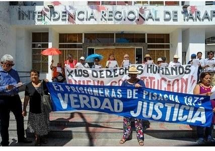 A puertas cerradas funciona Intendencia de Tarapacá: Organizaciones debieron golpear para entregar carta sobre atropellos a los derechos humanos