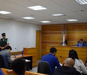 ¿Hurto o robo con violencia? Defensor controvirtió versión sobre delito que afectó a dos fiscales en Iquique