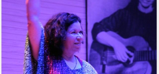 """Tita Parra, a 53 años del suicidio de Violeta: """"Los mensajes de sus canciones se ven en las calles, no en un museo"""""""