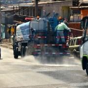 Municipalidad de Iquique despliega intenso operativo de limpieza para desinfectar calles y veredas