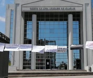 Organizaciones de DDHH y familiares de presos políticos, se manifestaron para exigir la libertad de 9 jóvenes en Tarapacá