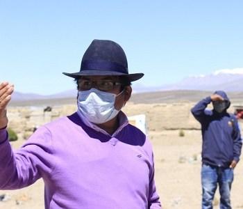 """Alcalde de Colchane a Presidenta de Bolivia: """"Sus hermanos se encuentran a la intemperie refugiándose entre arbustos, con cartones y pedazos de techumbres"""""""