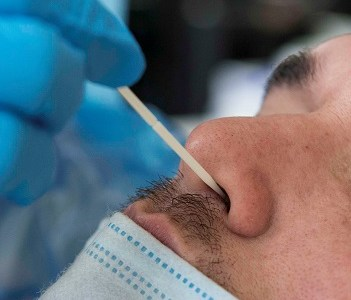 En una semana más de 500 test PCR toma el Servicio de Salud a población de alto riesgo