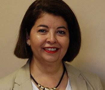 Ana María Oneto y su ejemplo de superación. De asistente administrativa de la Defensoría Penal, se tituló de Ingeniera.