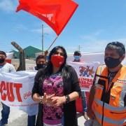 Huelga legal iniciaron los 150 trabajadores que trasladan sal desde el puerto a la planta de Patillos