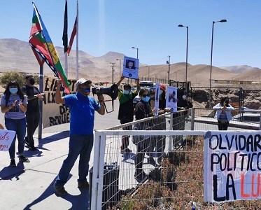 """Con un """"barrotazo carcelario"""", exigen libertad a manifestantes encarcelados por la revuelta"""