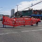 Demanda por libertad de los presos políticos, tema presente en conmemoración de la masacre obrera