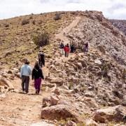 Habilitan sendero y mirador Condoriri en Camiña que beneficiará a potenciales 20 operadores en sector de Nama.