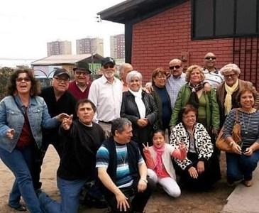 """""""Familias que dejan Huellas"""", en Conversatorio de Edición Cero. Participan tres generaciones de la familia Álvarez Guzmán."""