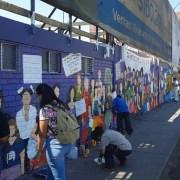 Contra la intolerancia, muralistas reconstruyen obra en homenaje al 8M. Alcalde Soria anunció querella por daños al mural feminista