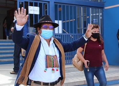 """Antonio Mamani: """"Es importante votar para realizar los grandes cambios que necesita el país y la región"""""""