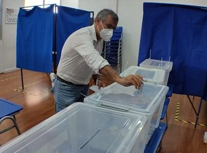 Alcalde Mauricio Soria logra duplicar votación da sus contendores Daniela Solari y Matías Ramírez