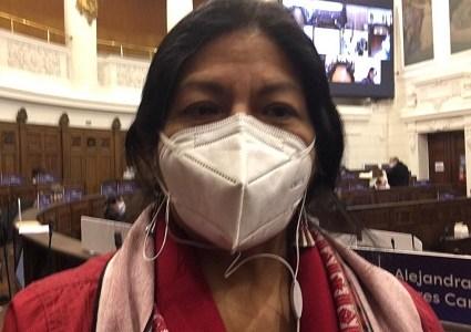 Constituyente Alejandra Flores critica el doble estándar. Mientras se reprime protesta pacífica en Chile, Presidente apoya manifestaciones en Cuba