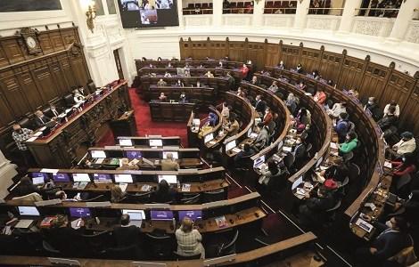 Convención se pronuncia por la libertad de los presos del estallido social  y los del Wallmapu