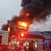 Incendio de grandes proporciones en Iquique, destruyó edificio donde funcionaba la fábrica Moisés