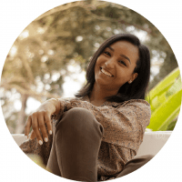 KAREN PACHECO escritora meu colar de perolas livro mahatma angola