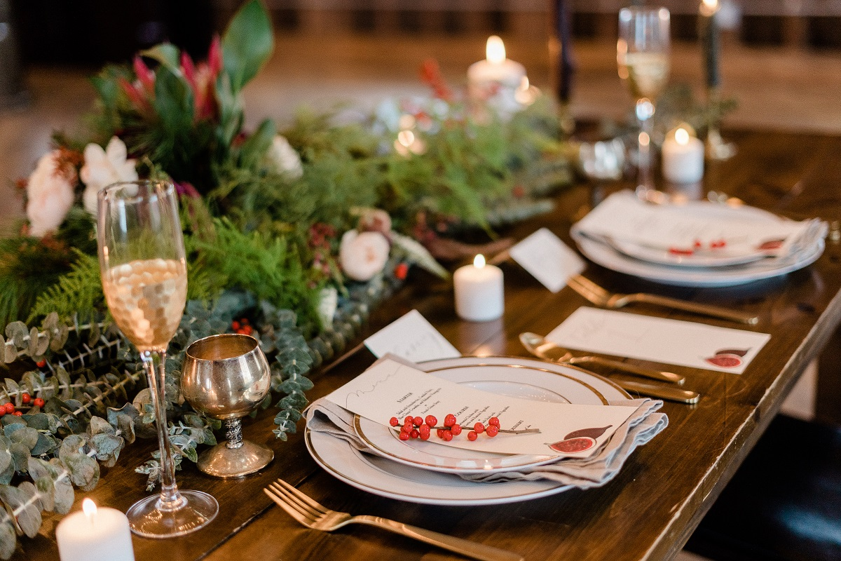 Table decor for a winter wedding.