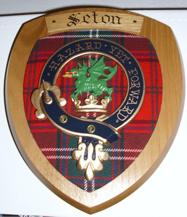 Munro Wall Crest Edinburgh Castle Scottish Imports - Year of