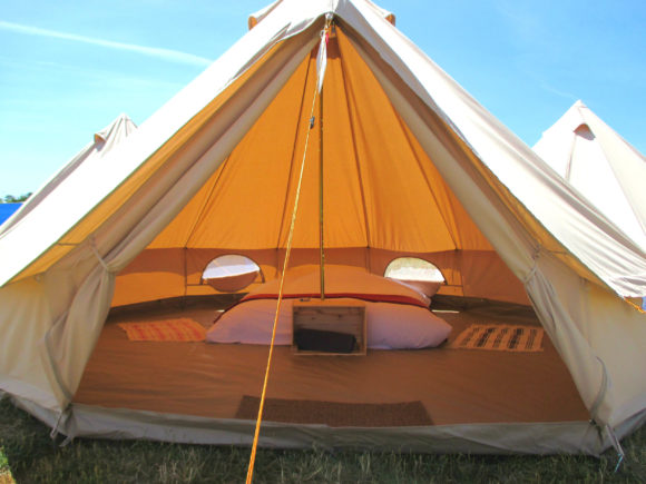 Edinburgh Festival Camping bell tent for 2 guests