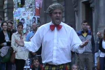 Pedro Tochas performing at the Edinburgh Fringe