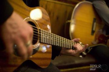 Patrick Dennis Playing at the PearTree