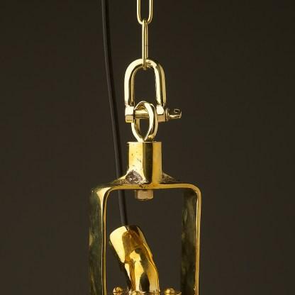 Vintage-Brass-small-ships-deck-light-shackel-detail