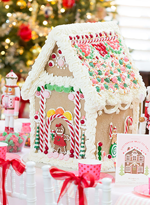 pizzazzerie gingerbread house