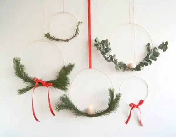 modern minimal holiday wreaths