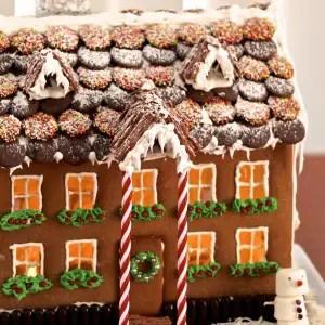 impressive gingerbread house