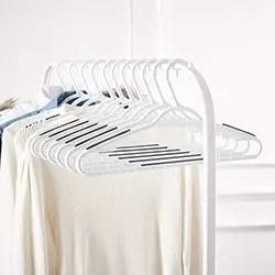 AmazonBasics Plastic Clothes Hanger with Non Slip Pad