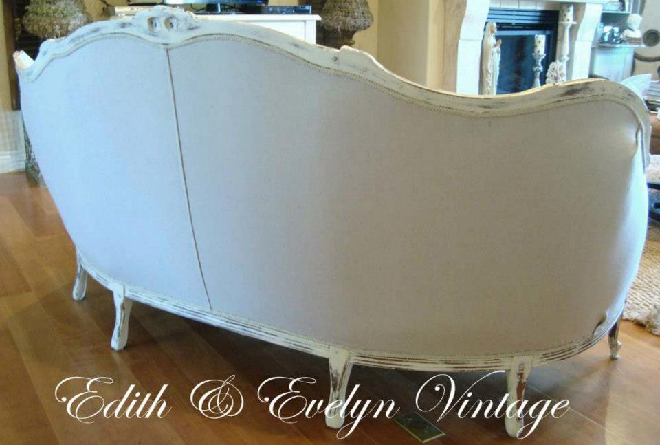 French Sofa Redo | Edith & Evelyn Vintage | www.edithandevelynvintage.com