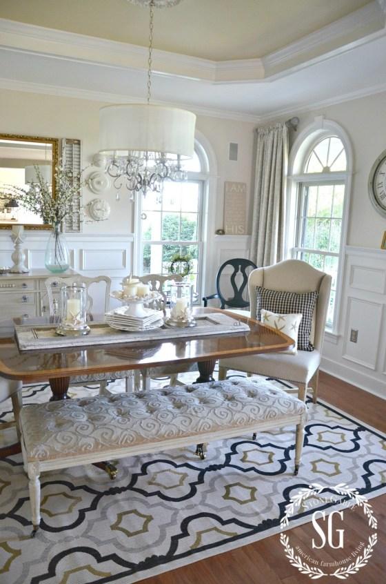 SUMMER-HOME-TOUR-Dining-room-rug-clock-stonegableblog.com_