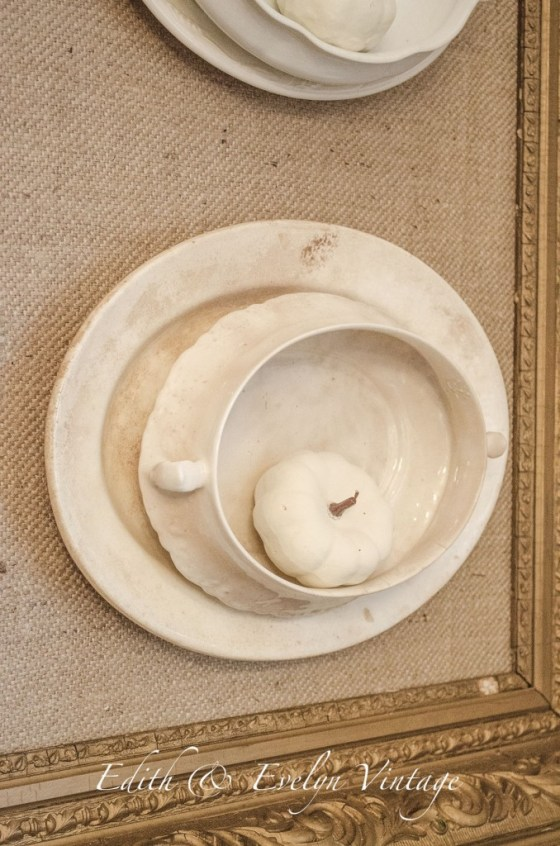 Fall Decor in the Dining Room   Edith & Evelyn Vintage   www.edithandevelynvintage.com