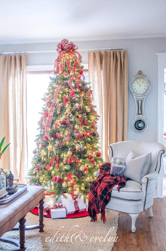 Family Room Christmas Tree | Tree Classics | Edith & Evelyn | www.edithandevelynvintage.com