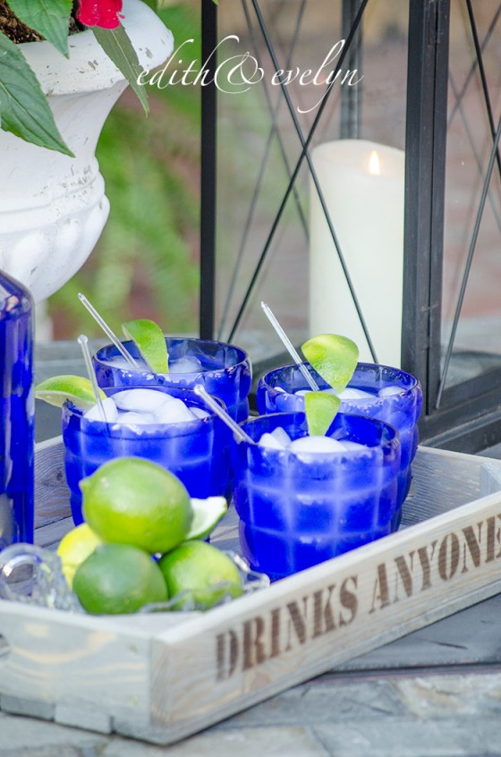 Cocktails on the Patio | Edith & Evelyn | www.edithandevelynvintage.com