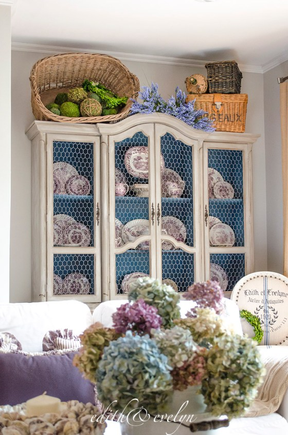 China Cabinet Refresh with Chicken Wire | Edith & Evelyn | www.edithandevelynvintage.com