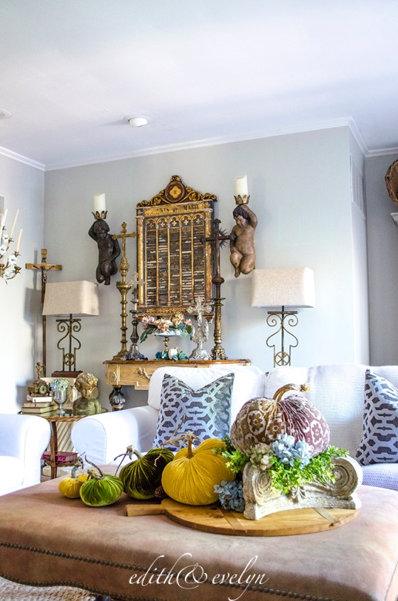 Fall in the Family Room | Edith & Evelyn | www.edithandevelynvintage.com