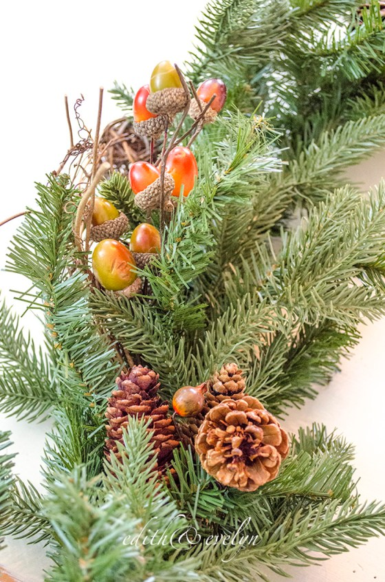 How to Create an Autumn Tablescape with Garland and Wreaths   Edith & Evelyn   www.edithandevelynvintage.com
